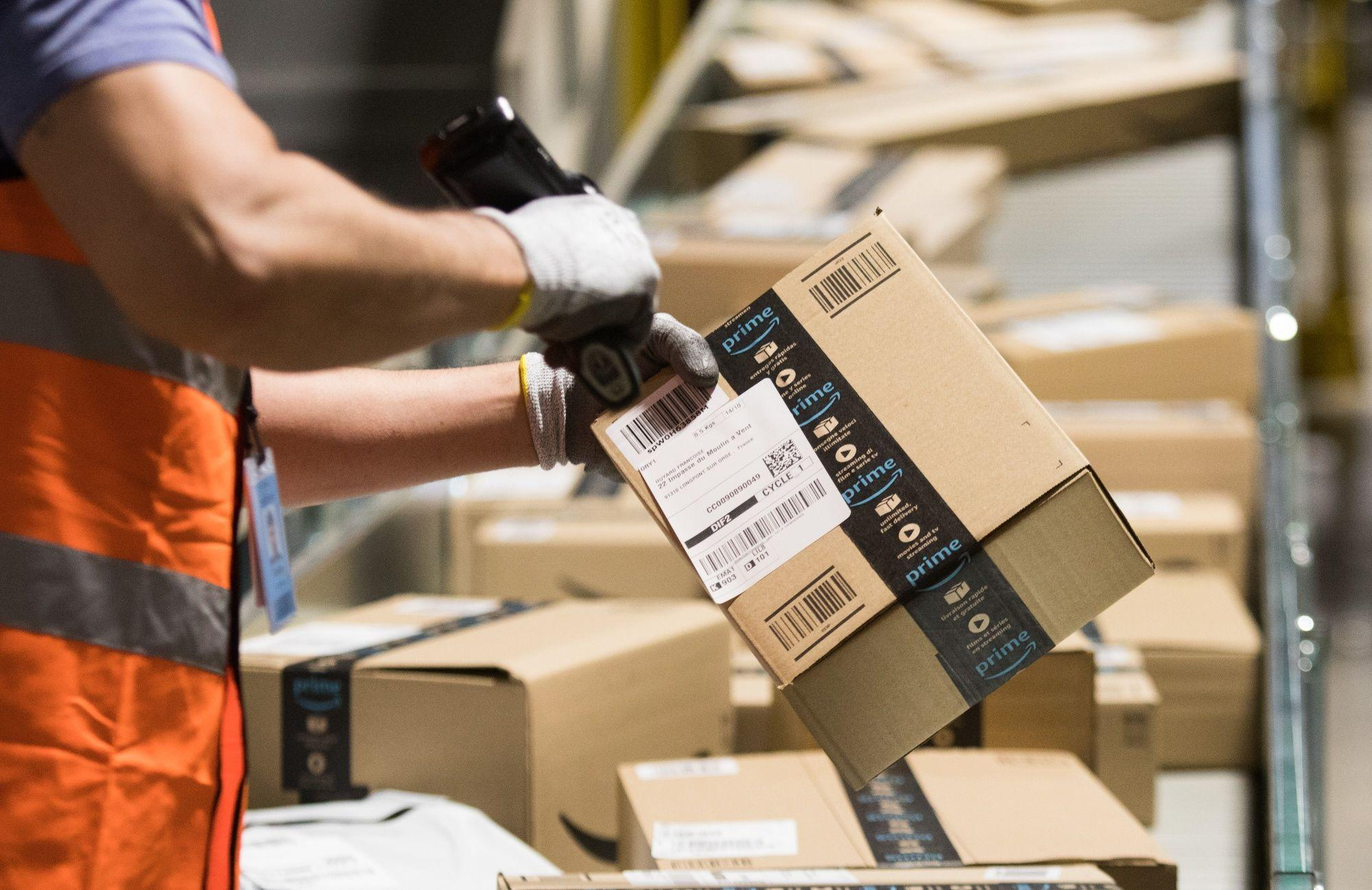 Amazon Hires Founders of Covid-19 Testing Startup to Curb Spread