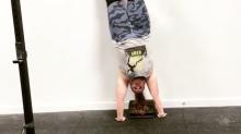 Cette athlète grande taille fait l'équilibre dans une vidéo inspirante