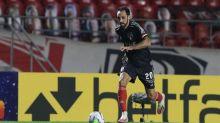 Juanfran sente dores no joelho e preocupa o São Paulo para o clássico