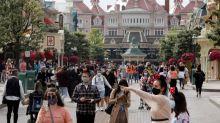 Mascarillas y Mickey: Disneyland París reabre después de un cierre de cuatro meses
