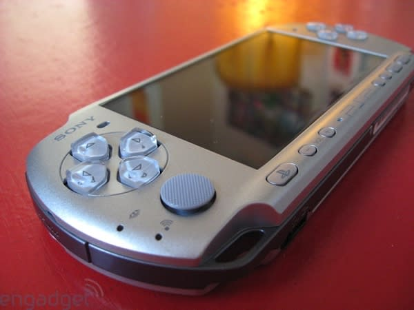 PSP-3000 unboxing and hands-on