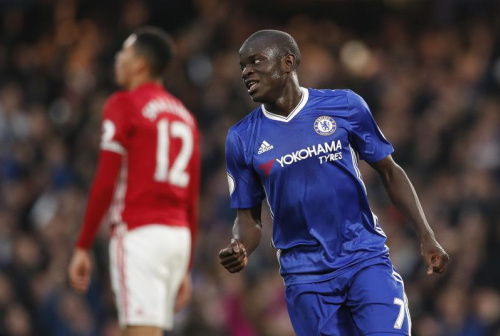 N'Golo Kanté élu joueur de l'année de Premier League