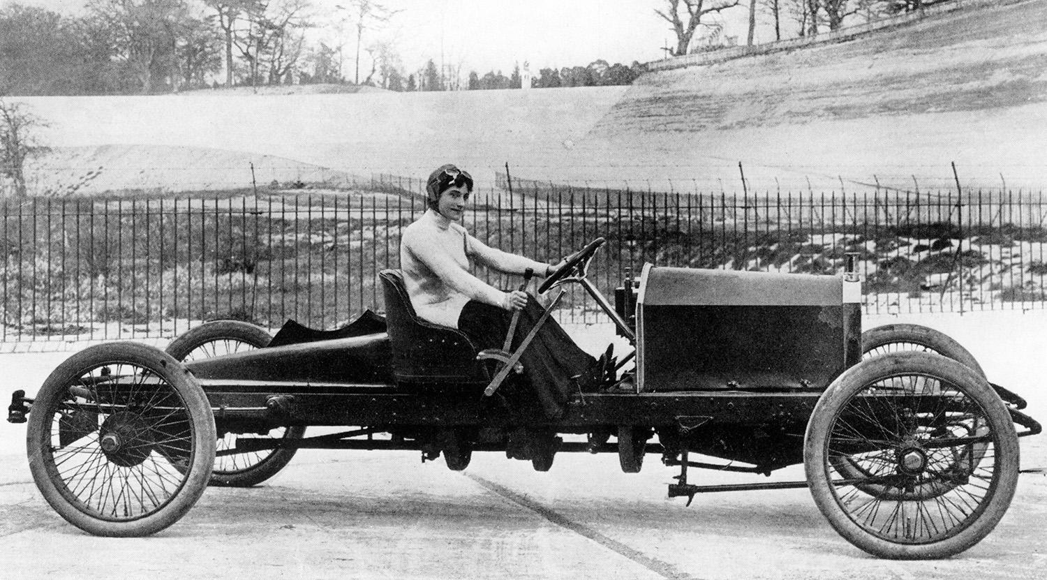 <p>Miss Dorothy Levitt is shown in a 26-horsepower Napier, at Brooklands in 1908. In 1903, she won her class at the Southport Speed Trials. In 1906, she broke the women's world speed record, recording a speed of 96 mph. (Photo: National Motor Museum/Heritage Images/Getty Images) </p>