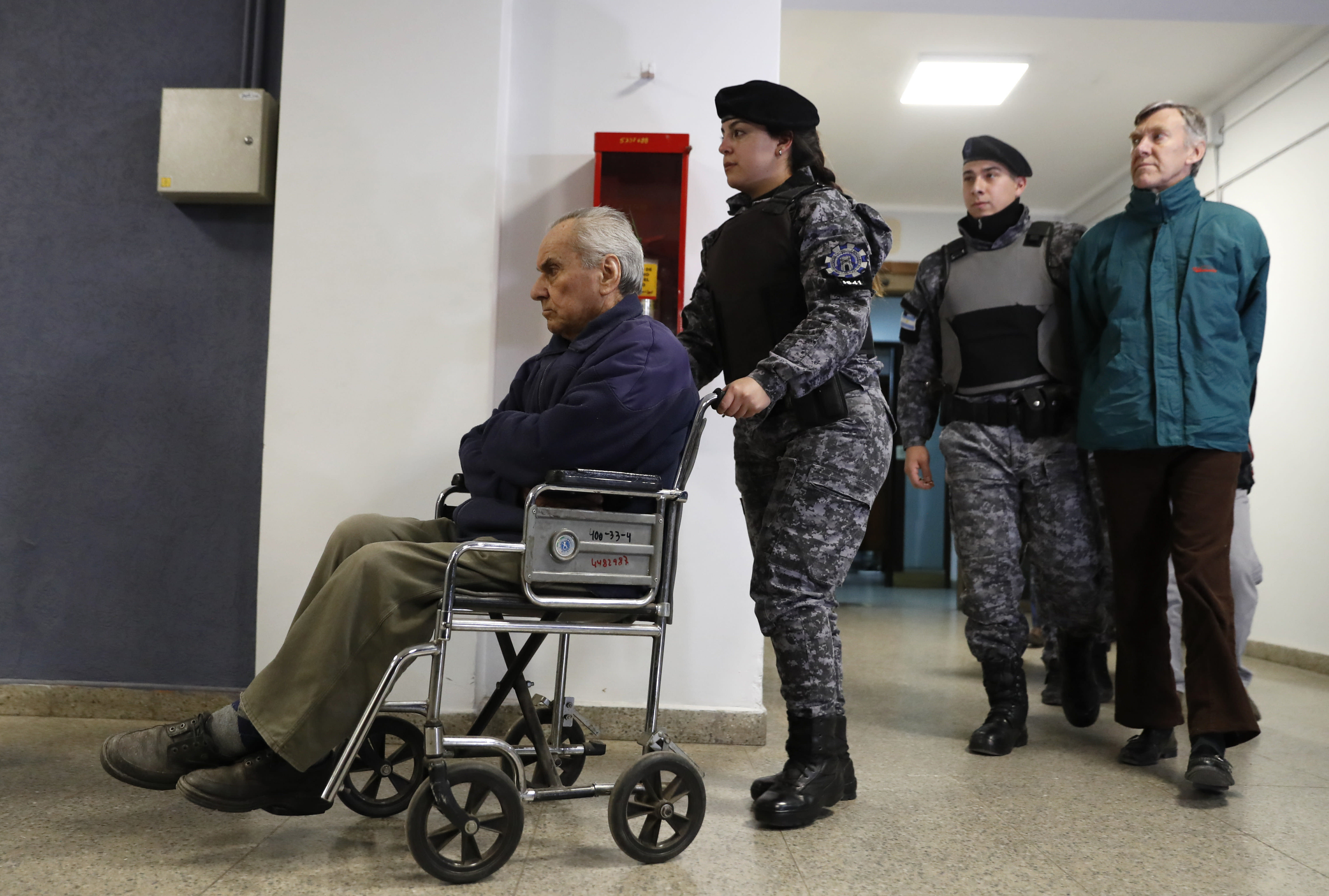 Argentina: 2 priests given 40+ years in jail over abuse
