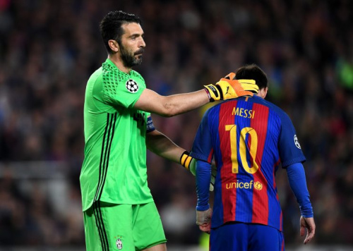 Lionel Messi, of Barcelona, being consoled by Gianluigi Buffon, of Juventus