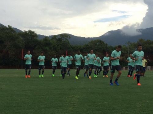 Com Ederson e Damião em campo, Fla treina de uniforme novo pensando na Libertadores