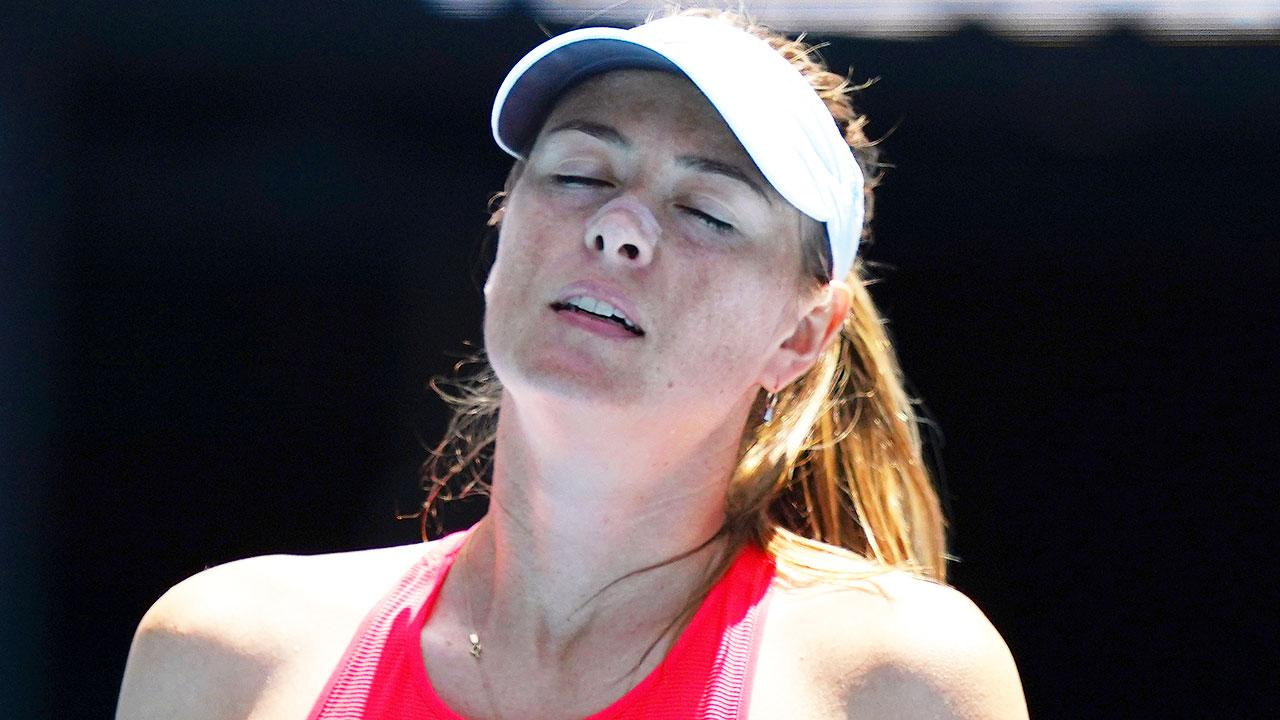 Maria Sharapova suffers embarrassing unwanted first at Australian Open