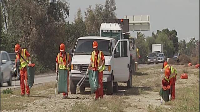 Kern County inmates cleaned up highway 58