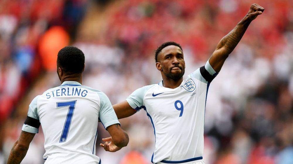 "Angleterre, Defoe : ""Je vais garder la tête basse"""