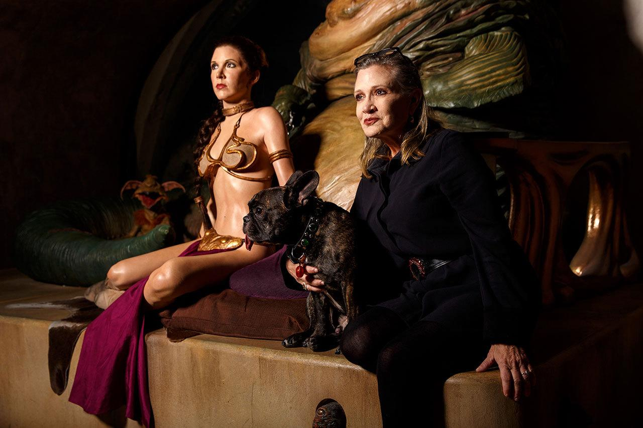 Carrie Fisher Takes Break From Star Wars 8 To Meet Her ... Jabba The Hutt And Princess Leia Costume