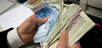 Euro slips against dollar ahead of Jackson Hole