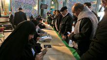 Iran: les conservateurs crient victoire aux législatives, sur fond de faible participation