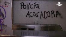 Encapuchadas causan destrozos en Metro Chabacano