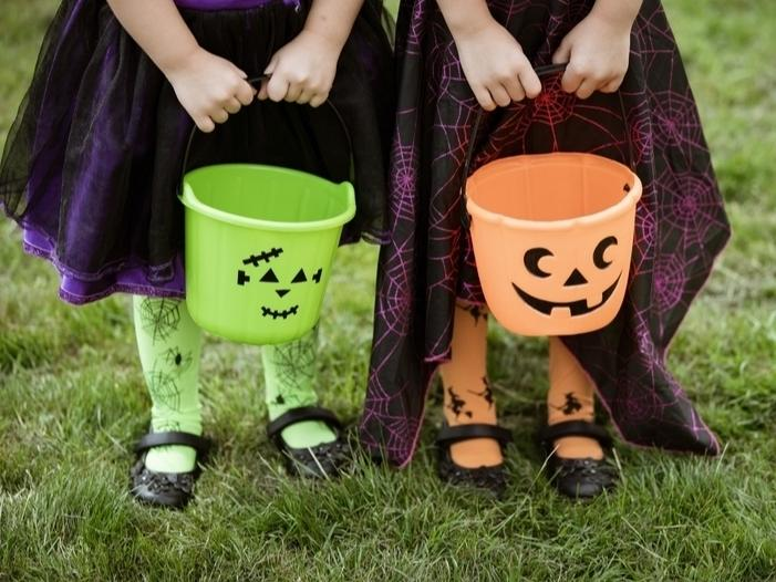 Polls conducted by the National Confectioners Association show parents are looking for safe ways to celebrate Halloween this year.