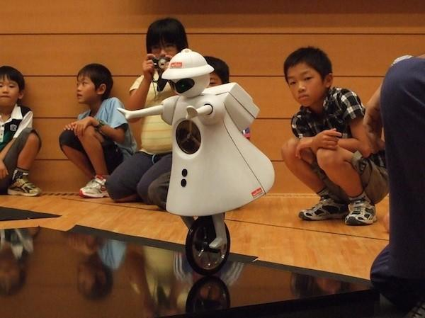 Murata Seiko unicycling robot gets an awesome upgrade