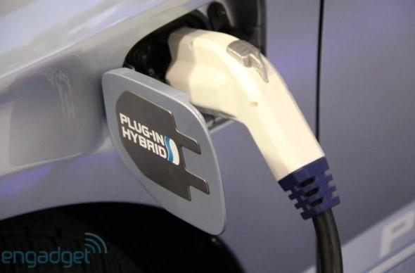Virginia pilot program halves electricity bill for charging EVs overnight