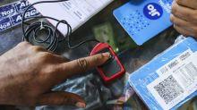 Moody's Says Ambani's Jio May Spend $23 Billion to Build Service