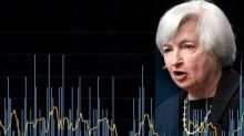 Fed Divided Over Rate Hike, but Hawkish Yellen Holds the Swing Vote