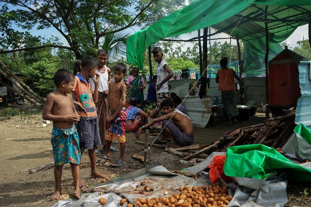 Hundreds of displaced Hindus are seeking shelter in Sittwe, the capital of violence-wracked Rakhine state (AFP Photo/AIDAN JONES)