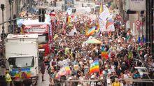 German police halt march of 18,000 coronavirus sceptics in Berlin after