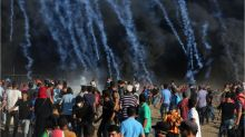 Israeli troops fire on Palestinian protesters