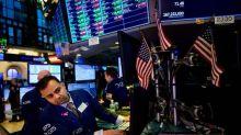 Borsa, Milano chiude in lieve rialzo +0,24% spread si modera a 261