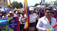 Indígenas evangélicos marchan contra el matrimonio igualitario en Ecuador