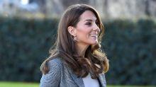 El look 'working' más casual de Kate Middleton