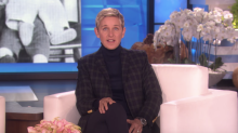 Ellen DeGeneres Emotionally Reveals on Her Show That Her Father Has Died