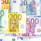 EUR/USD Price Forecast – Euro Reaching Towards Death Cross