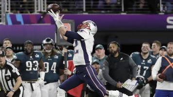 Tom Brady continues to excel at Twitter, makes Super Bowl LII joke