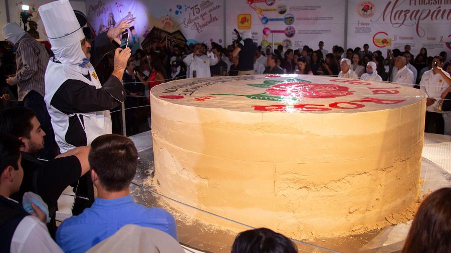Mazapán gigante impone récord Guinness en Jalisco