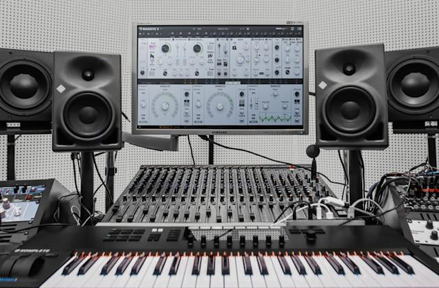 Native Instruments' Massive X  software synth is finally here