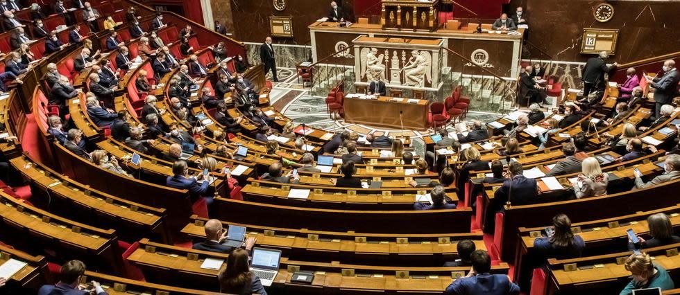 Pass sanitaire: premier feu vert de l'Assemblée après une nuit de débats