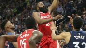 Rockets ride 50-point quarter to win over Wolves