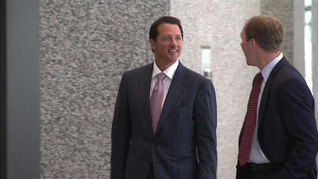 Kevin Trudeau released from federal lockup in Chicago