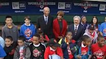 Detroit mayor in SF, makes good on World Series bet