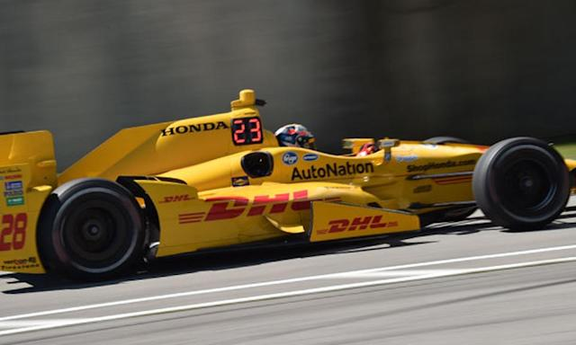 IndyCar racers use LEDs to show their positions in real-time
