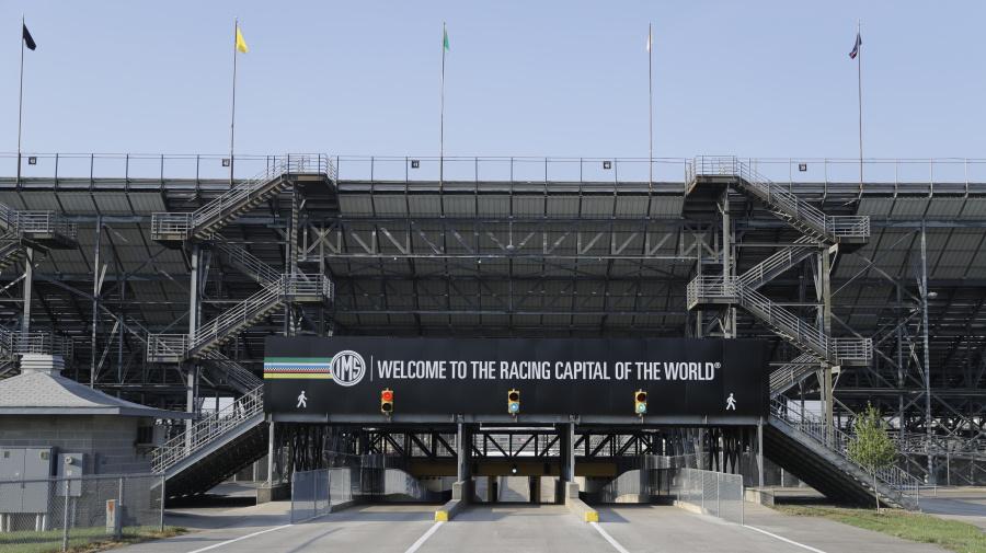 Indy 500 reverses course, won't allow fans