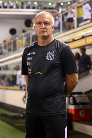Dorival elogia reservas do Santos e diz: 'Voltamos a jogar com confiança'