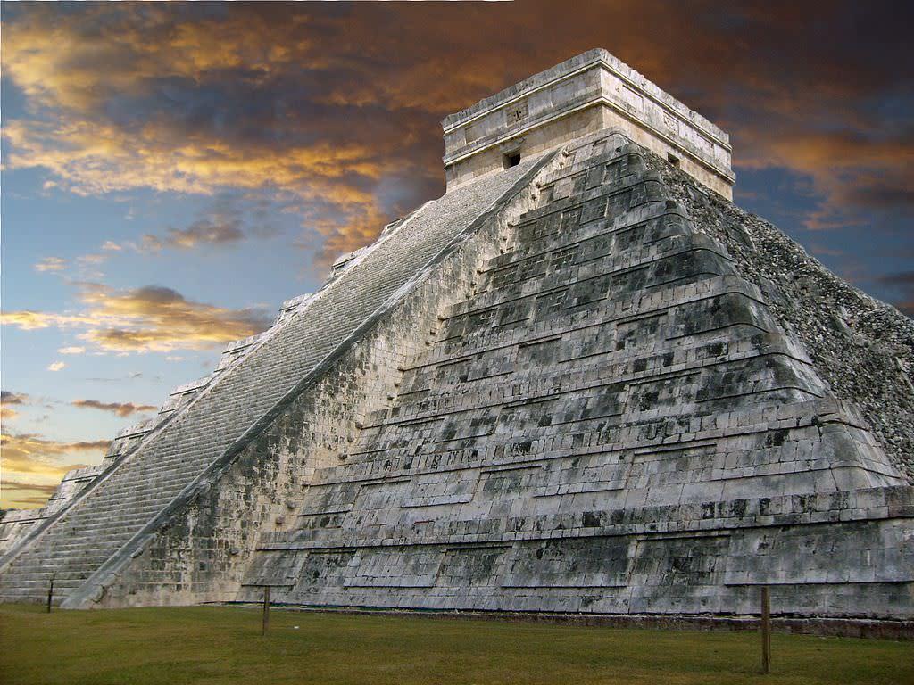 不只埃及有,金字塔去墨西哥看也行!