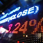 Coinbase Soars Early on 1st Day of Trading Only to Fall 100 Points, Close Below Opening Price