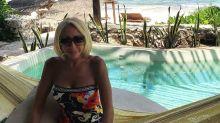 Laura Bozzo no se cansa de presumir de su figura en bikini a sus 64 años; mirala cómo se ve