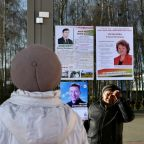 Opposition reports Belarus polls infractions as strongman woos West