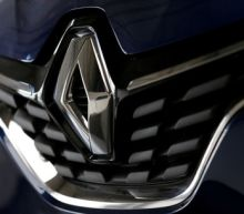 Renault shares plunge as profit warning deepens its problems