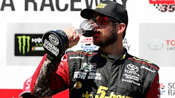 Pit crew fake-out helps Truex Jr. win at Sonoma