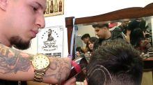 Gabriel Heredia, el peluquero sin manos
