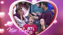 Durante jogo de basquete, pedido de casamento acaba em desastre por conta da emoção da plateia