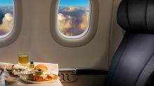 La última extravagancia de la pandemia: comer en un avión por 440 dólares
