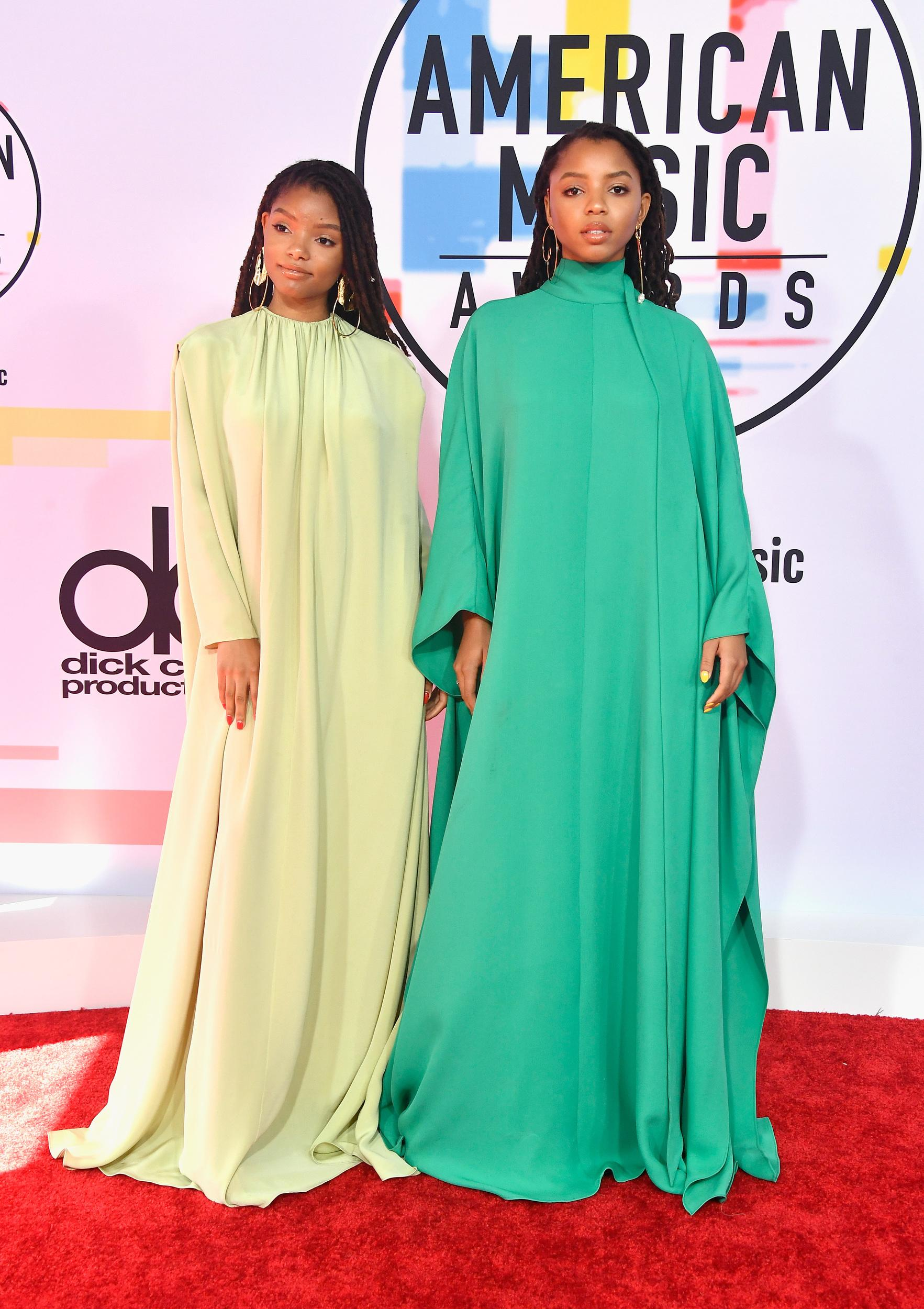 LOS ANGELES, CA - OCTOBER 09:  Halle Bailey (L) and Chloe Bailey of Chloe x Halle attend the 2018 American Music Awards at Microsoft Theater on October 9, 2018 in Los Angeles, California.  (Photo by Frazer Harrison/Getty Images)